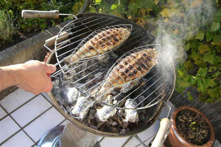 How to Clean Charcoal Grills